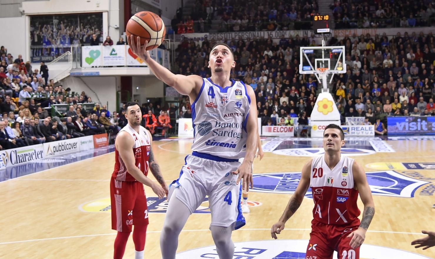 La Dinamo fa tremare l'imbattuta capolista Olimpia che viola il PalaSerradimigni di 1 punto dopo un supplementare: 107 a 106.