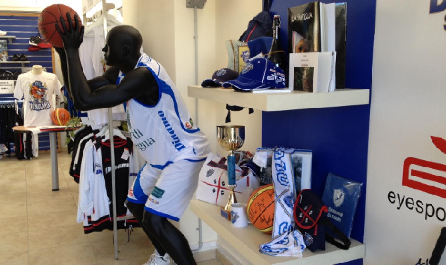 mercatino piazzale segni sassari basketball - photo#30