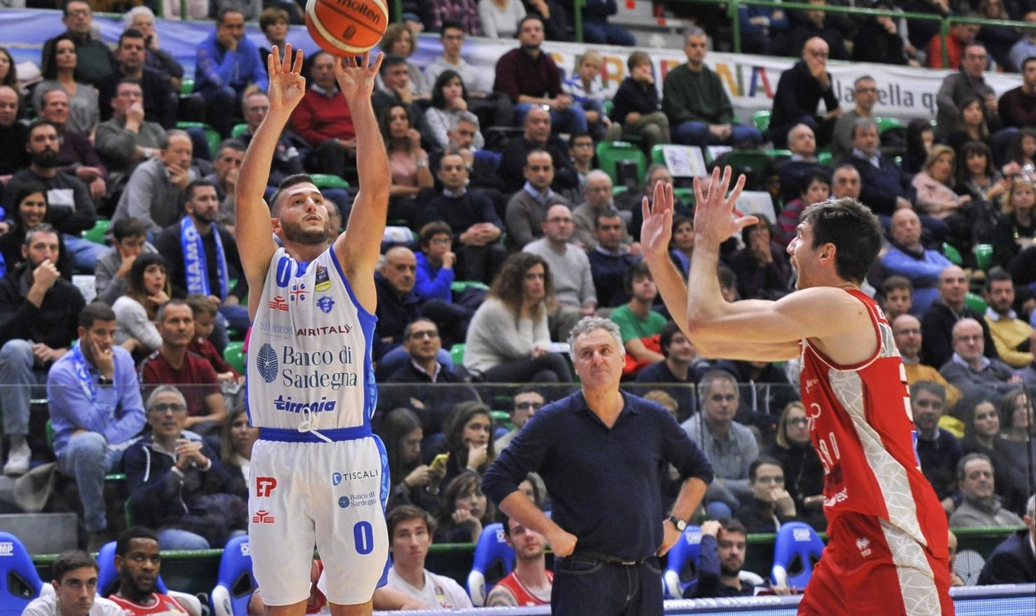 La Dinamo è tornata alla vittoria, superando la VL Pesaro con un punteggio record: 114 a 73!
